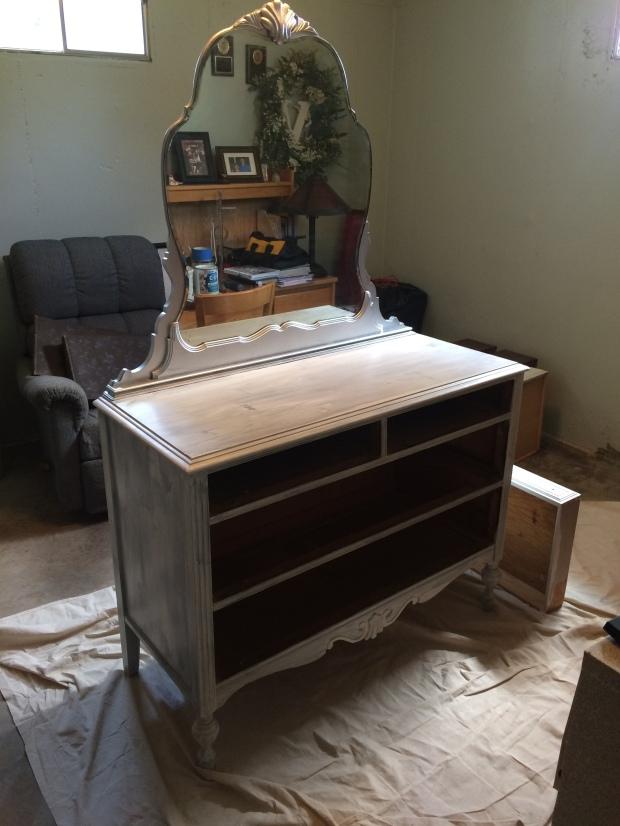 dresser with primer